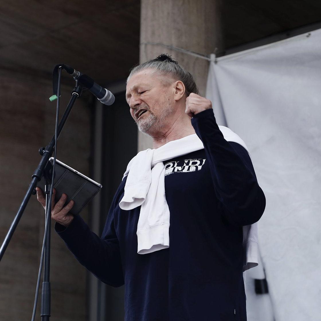 #freeSZFE: A Színművészeti autonómiájáért tüntettek az egyetem előtt